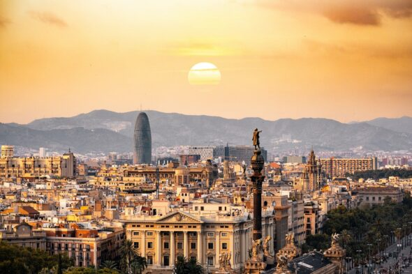 Summer Holidays in Spain Include Day Trips to Several Holiday Locations